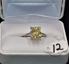 SPECTACULAR 3.80CT DIAMOND 18K WHITE GOLD RING