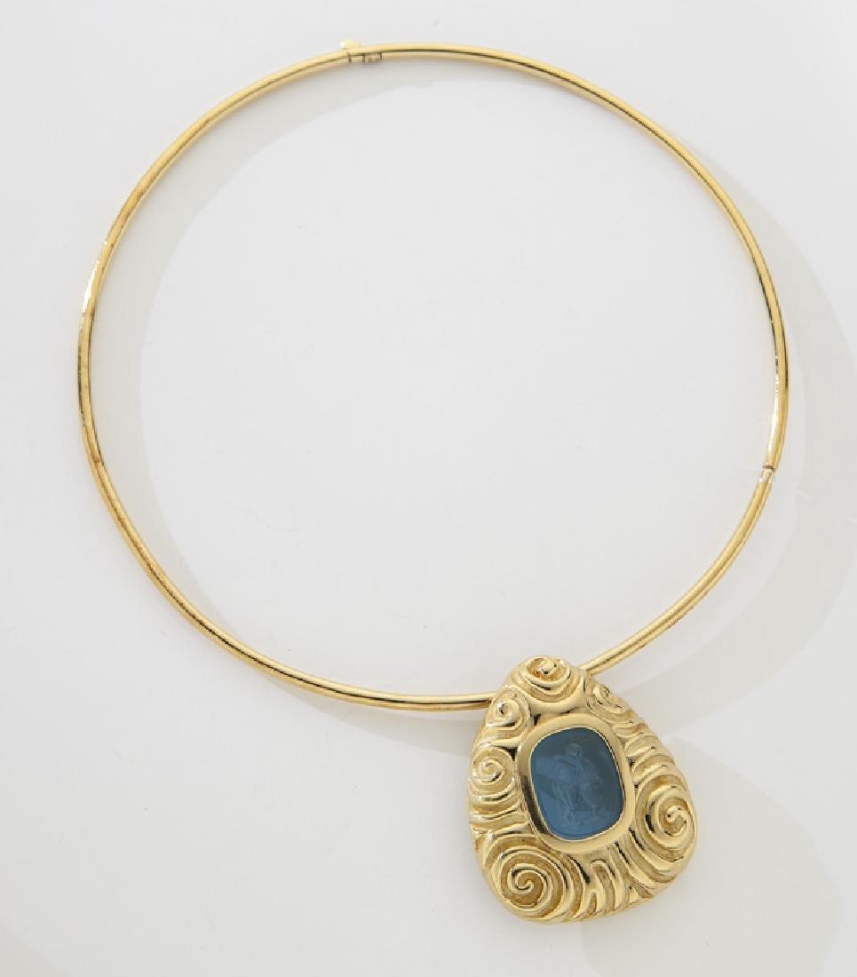 Elizabeth Gage 18K gold intaglio carved pendant