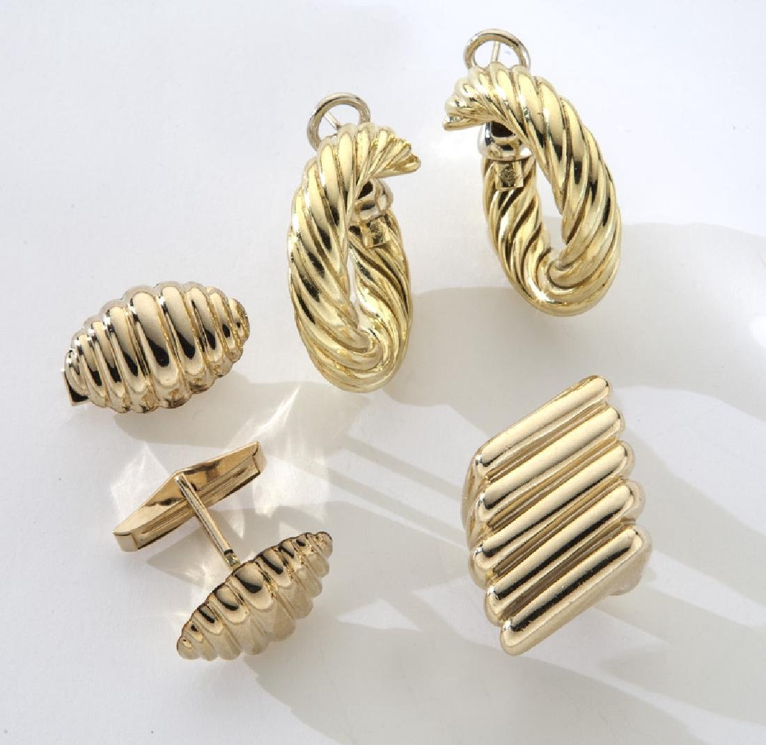 3 Pcs. 14/18K gold fluted jewelry, including: