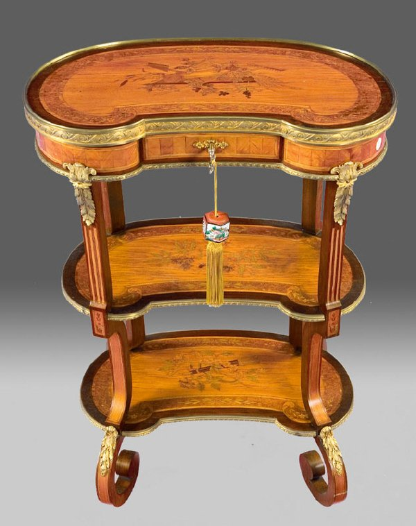 4: Louis XVI style kidney form marquetry dressing