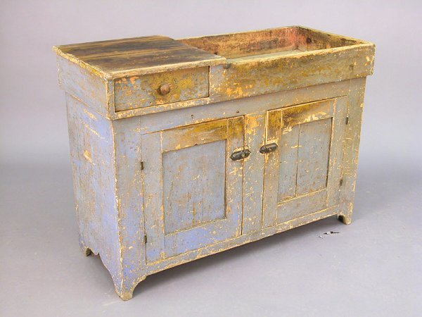 416: Early American dry sink with single left