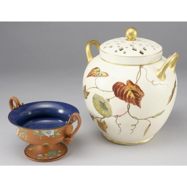 15: (2) Wedgwood porcelain pieces including: