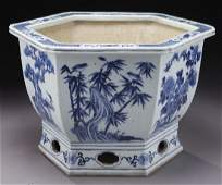 Chinese Qing porcelain blue and white jardiniere