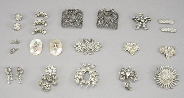 22: 14 Pcs. rhinestone costume jewelry including: