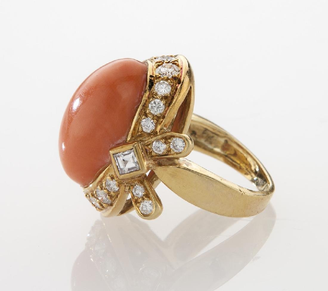 18K gold, diamond and coral ring. - 3