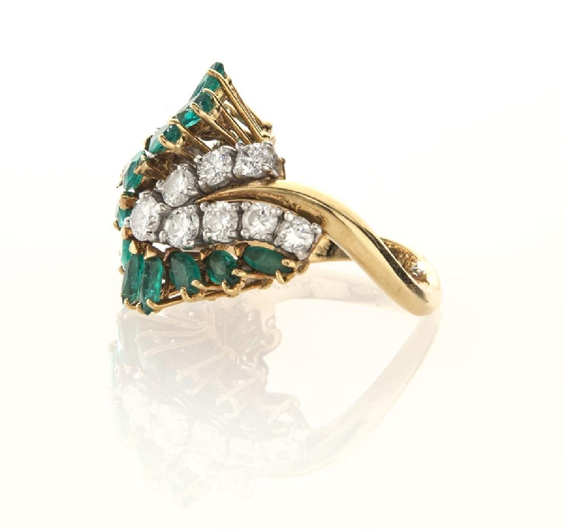18K gold, diamond and emerald ring. - 3