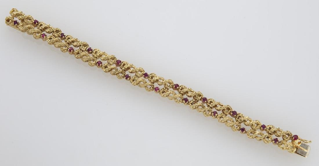 18K gold and ruby bracelet. - 2