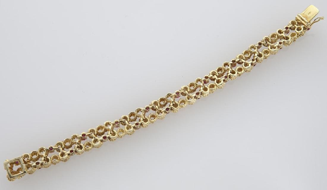 18K gold and ruby bracelet. - 3