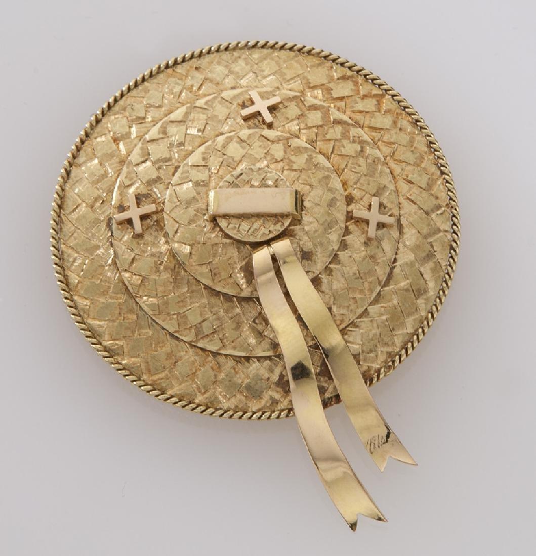 Retro 18K gold hat form brooch.