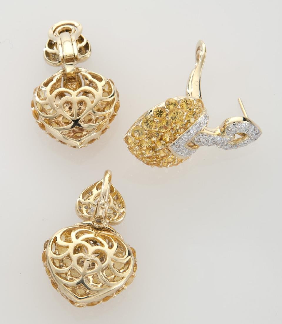 2 Pcs. 18K gold, diamond and sapphire heart-shaped - 2