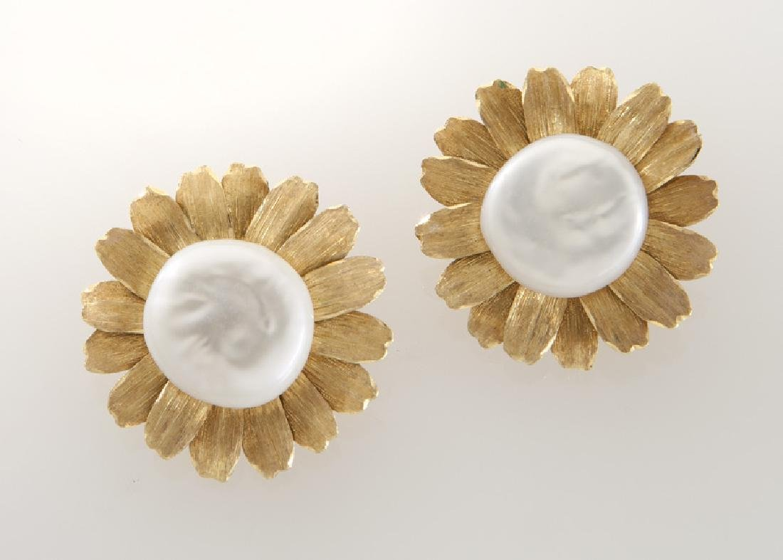 Pair of Buccellati 18K gold and pearl earrings