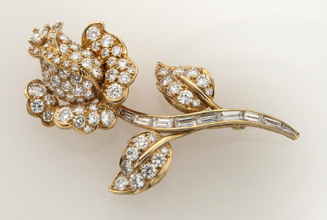 18K gold and diamond floral brooch