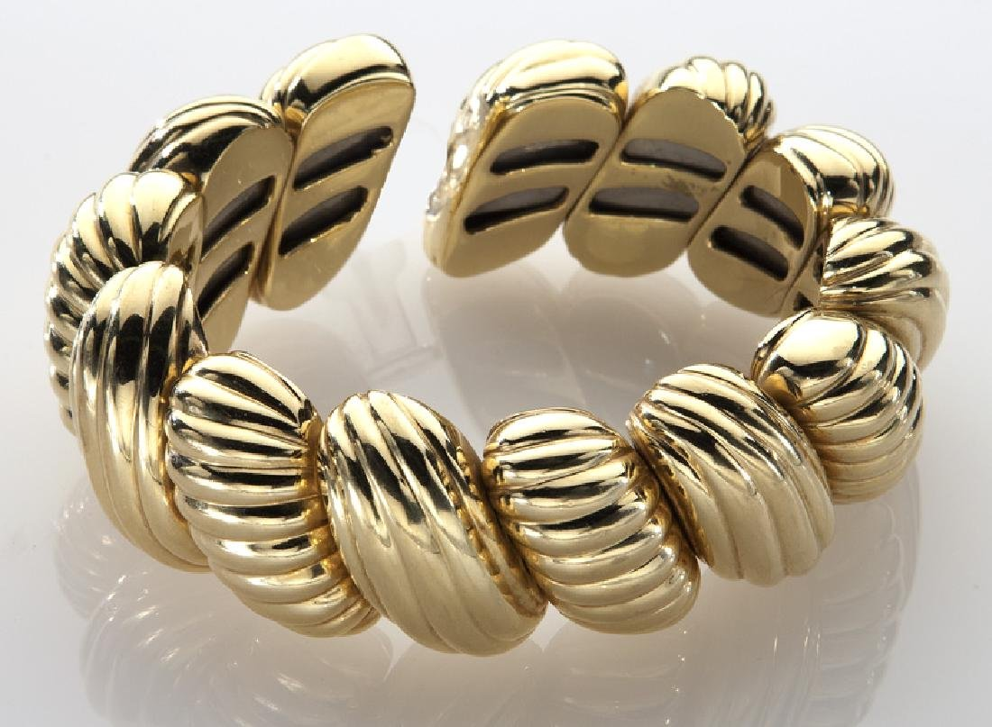 18K yellow gold flexible cuff bracelet - 3