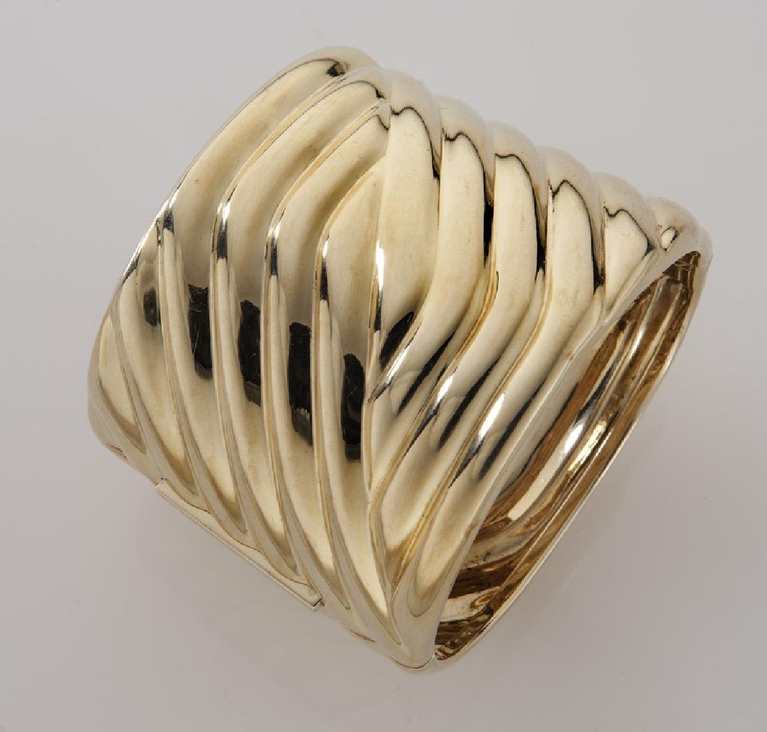 14K gold fluted hinged cuff bracelet.