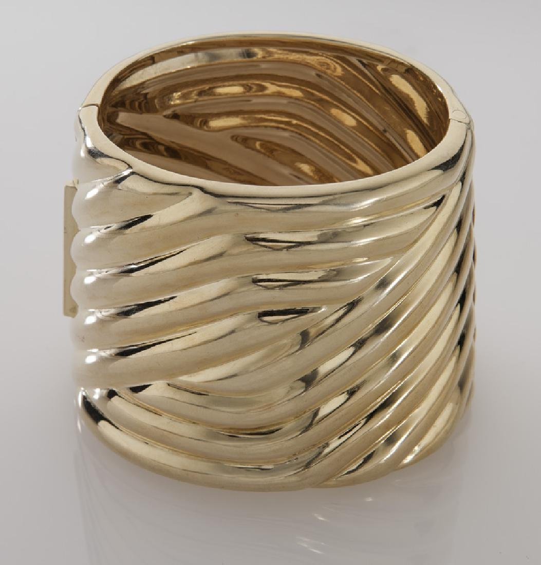 14K gold fluted hinged cuff bracelet. - 2