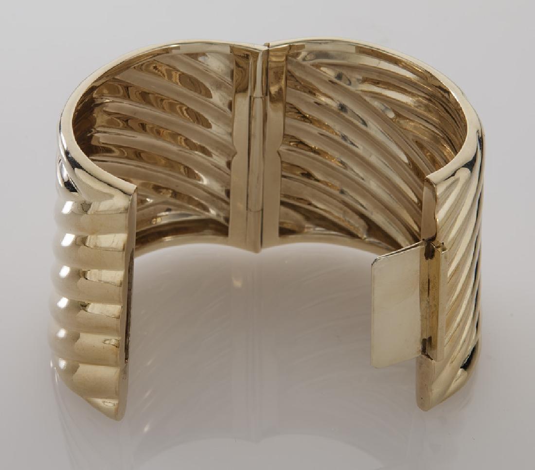 14K gold fluted hinged cuff bracelet. - 3