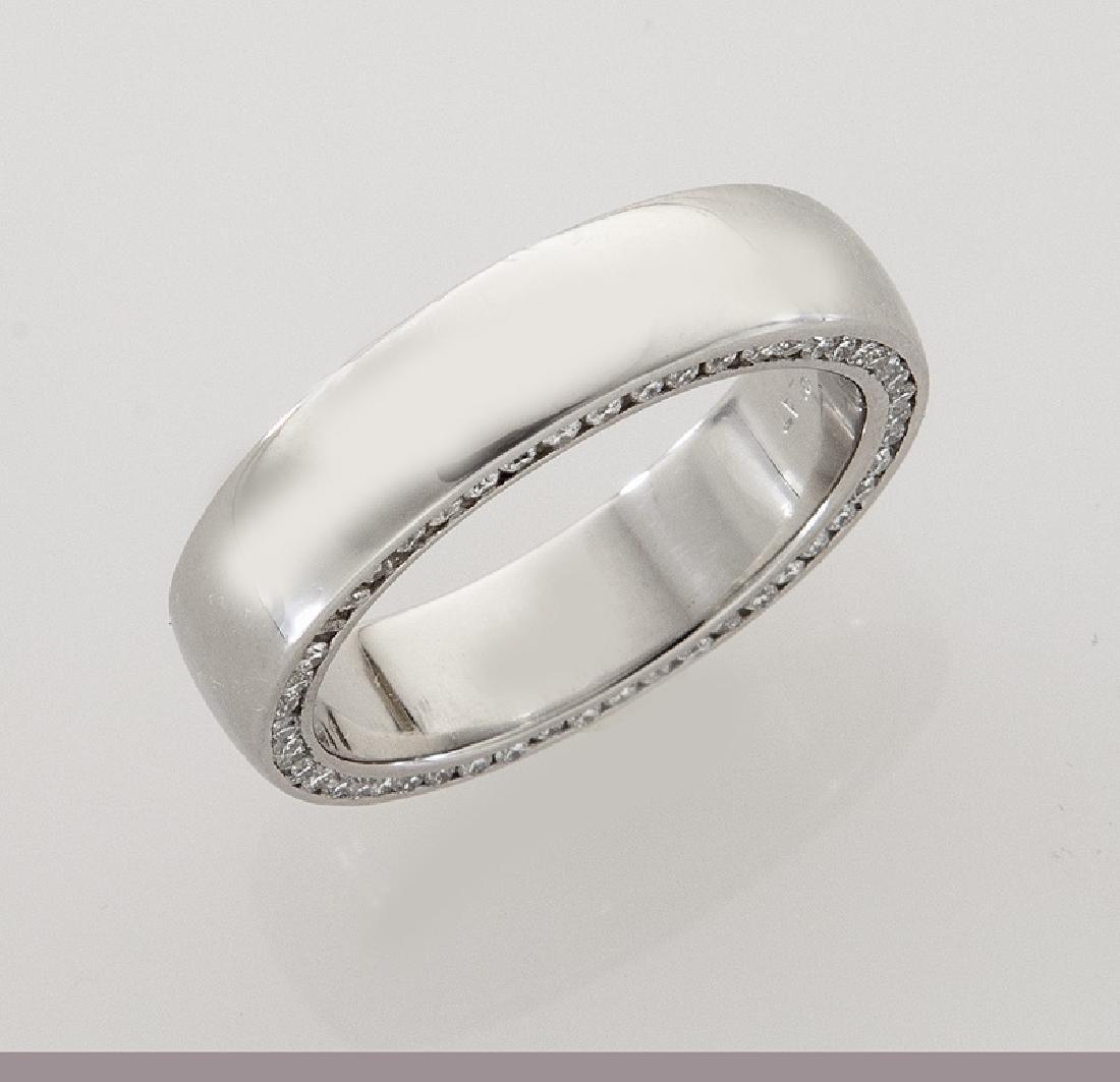 Platinum and diamond men's ring. - 2