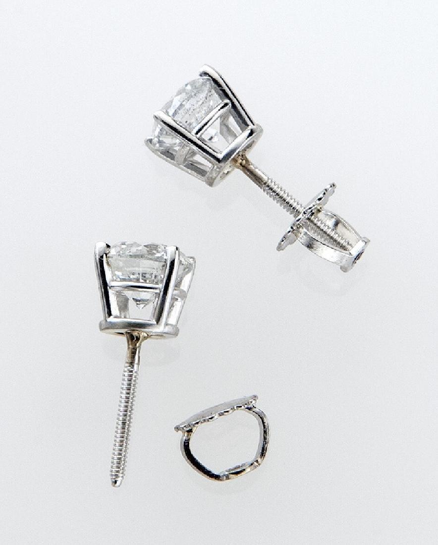 14K white gold and diamond stud earrings - 3