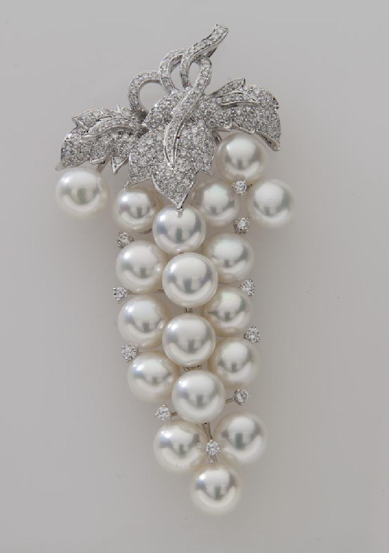 18K gold, diamond and cultured button pearl brooch