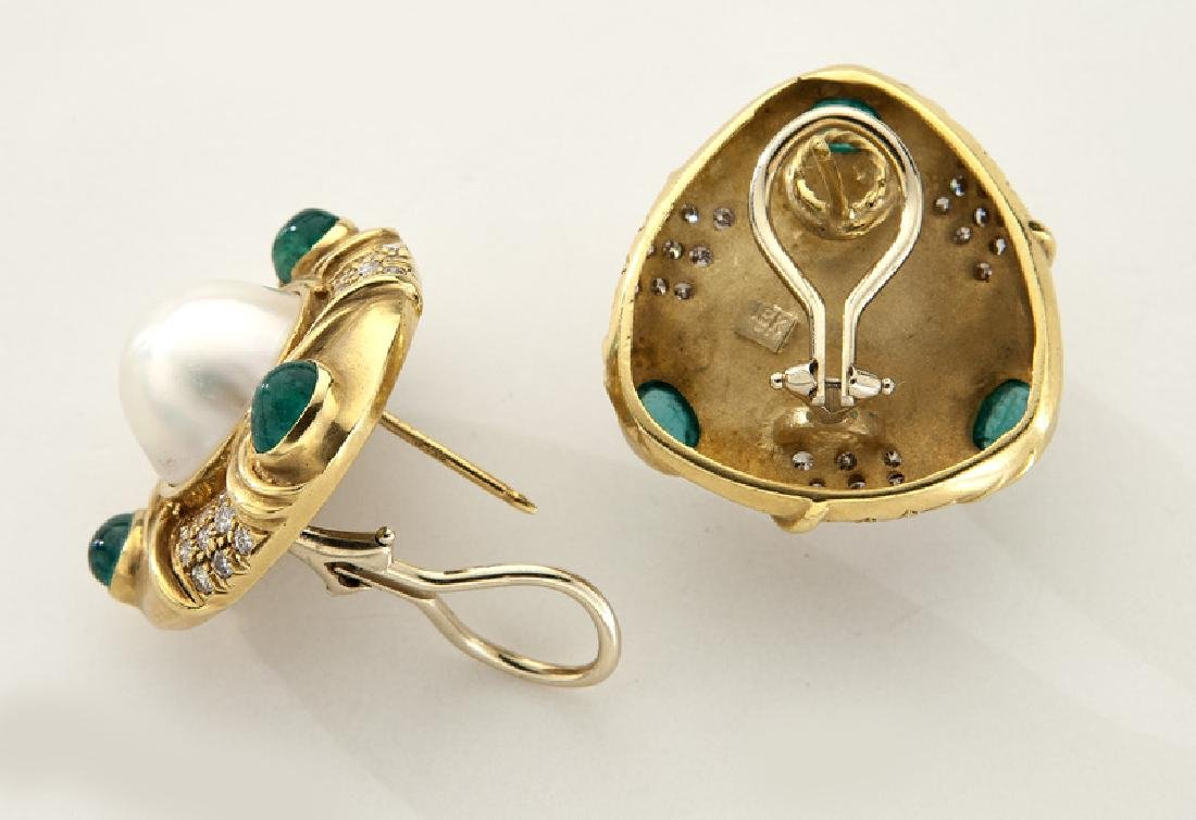Pair of 18K gold, mabe pearl, diamond and emerald - 2