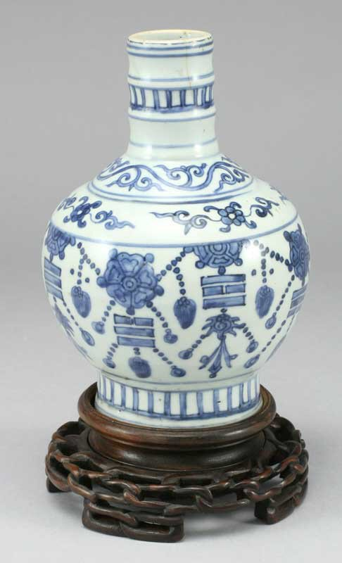 7: A Chinese blue and white porcelain vase, heavily
