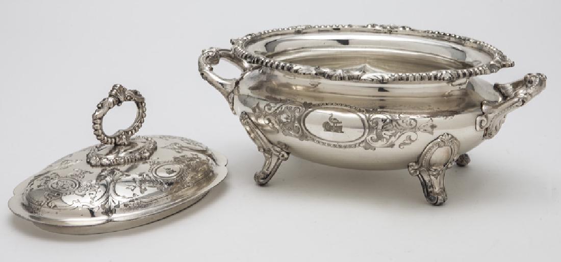 Pr. small Victorian silverplate tureens - 5