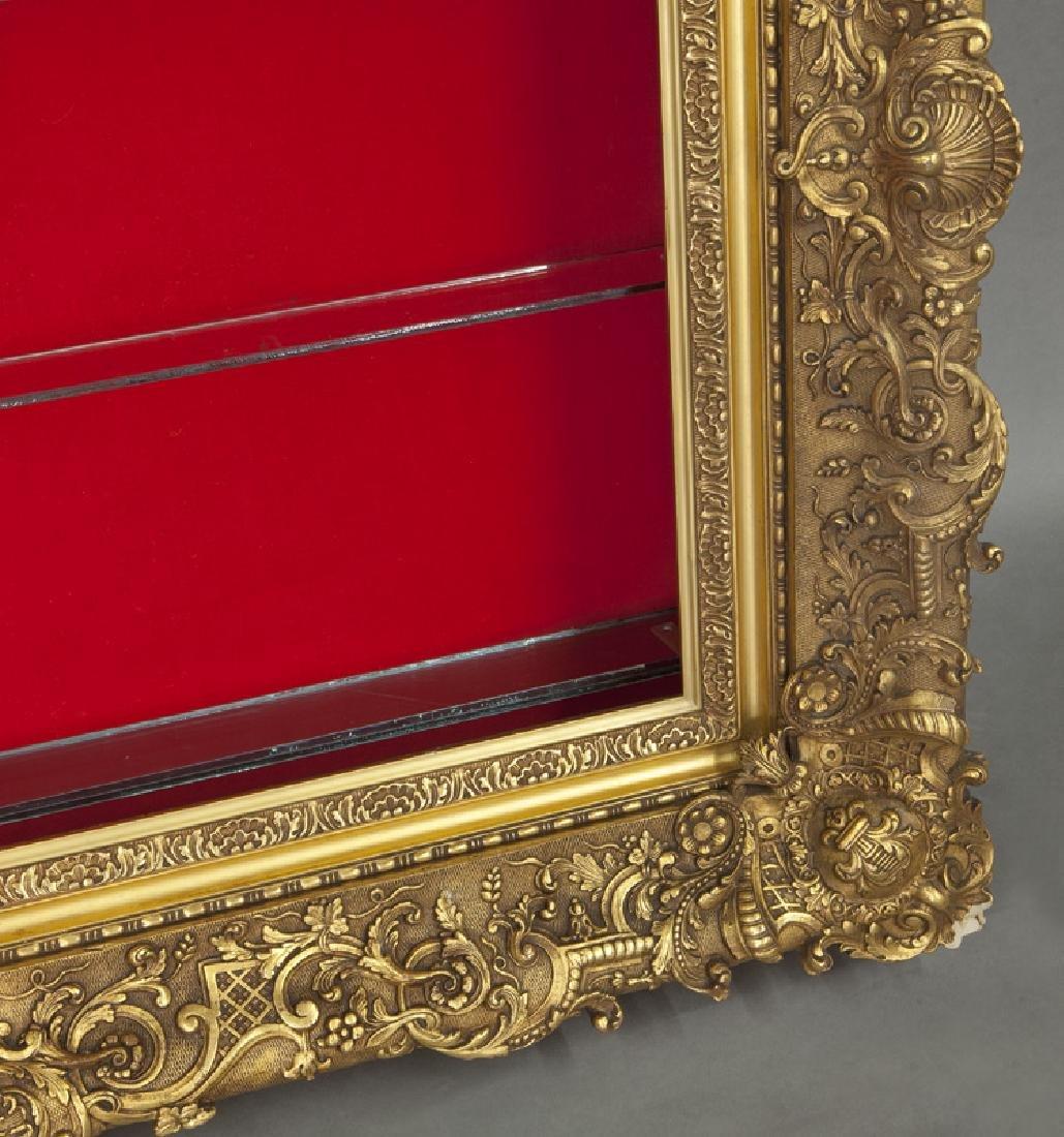 Belle Epoque giltwood shadowbox frame, - 4
