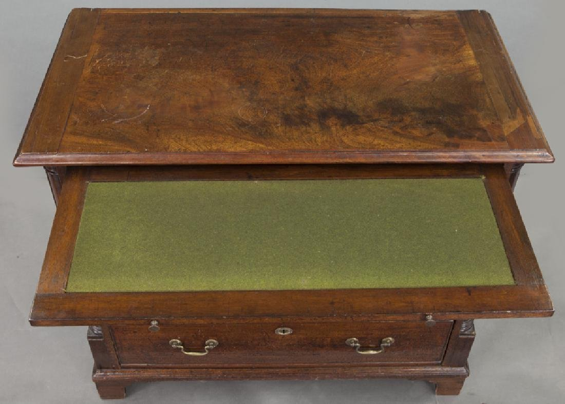 Georgian mahogany bachelors chest with dressing - 7
