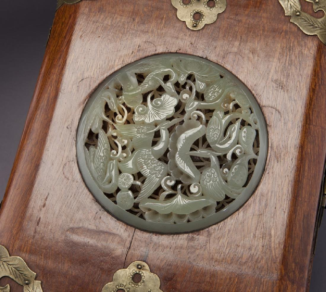 Chinese wooden box with carved jade plaque - 5
