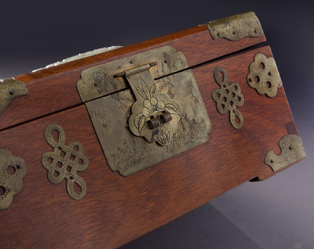 Chinese wooden box with carved jade plaque - 6