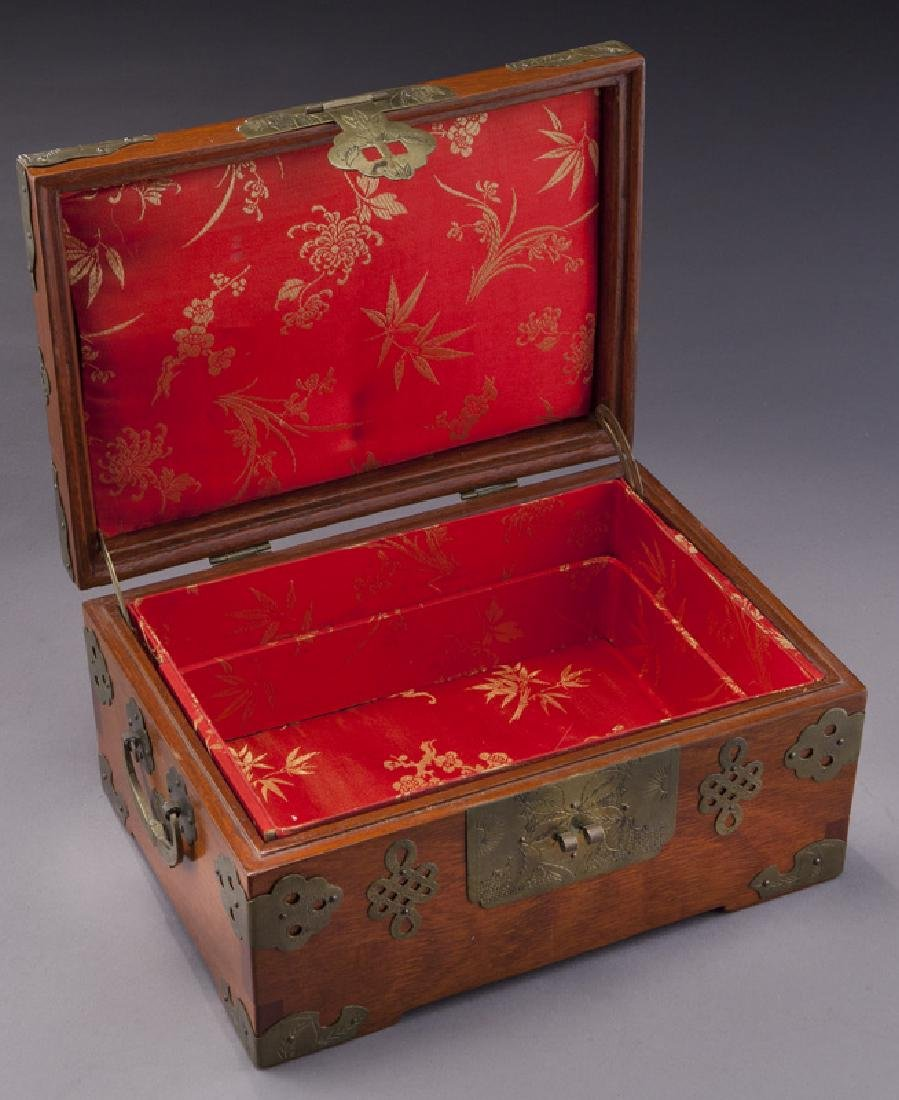 Chinese wooden box with carved jade plaque - 7