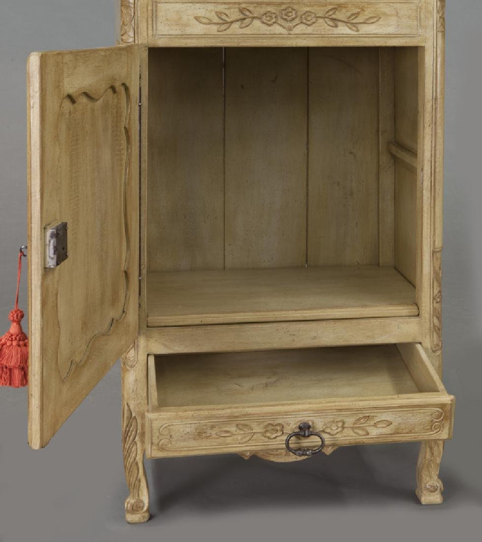 Pr. French carved and painted display cabinets - 10