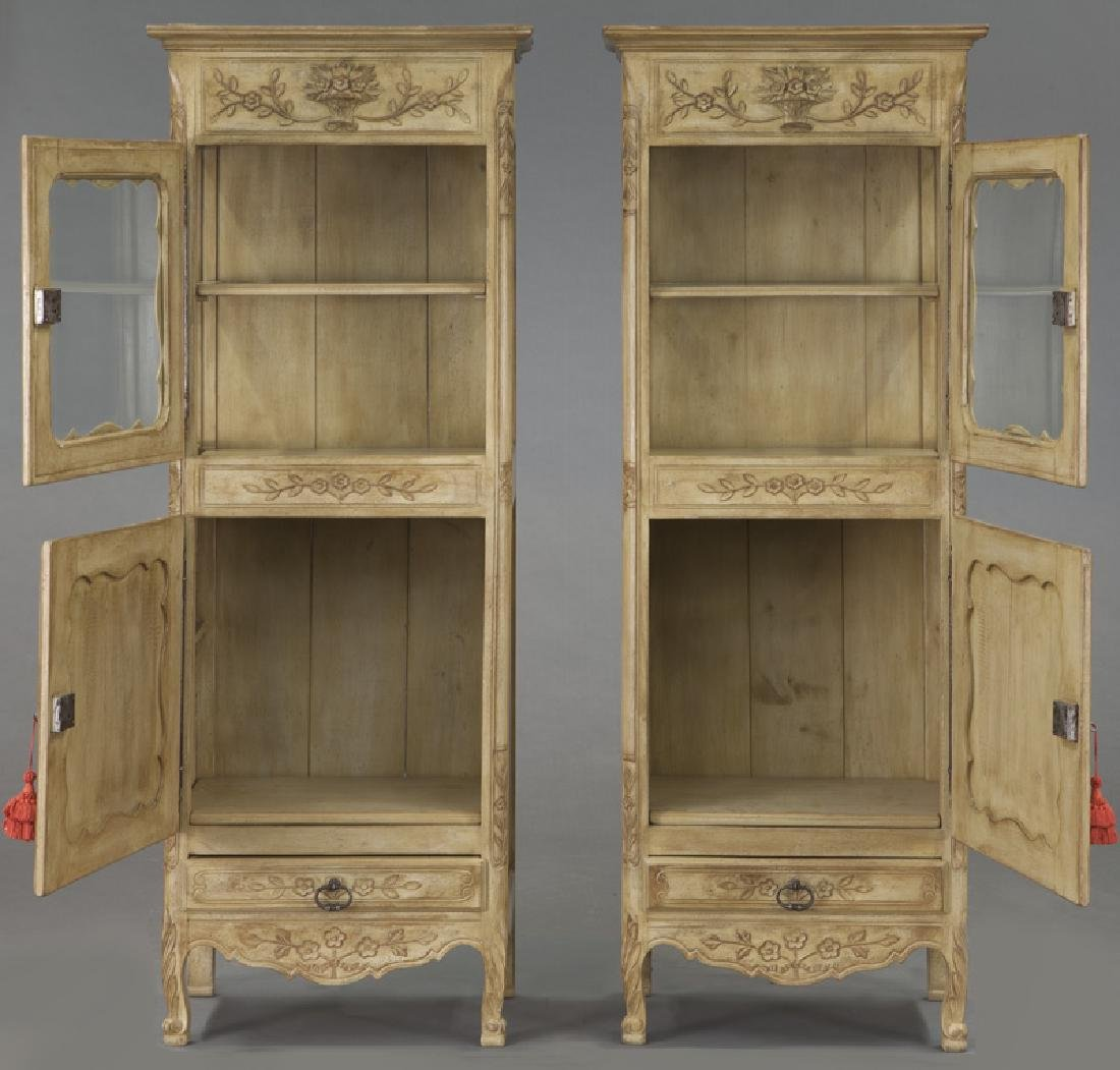 Pr. French carved and painted display cabinets - 6