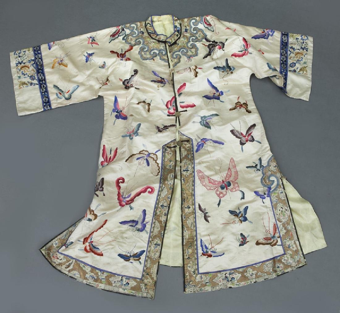 Chinese embroidery decorated silk robe