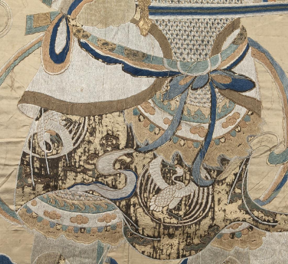 Chinese Ming Dynasty silk embroidery panel - 6