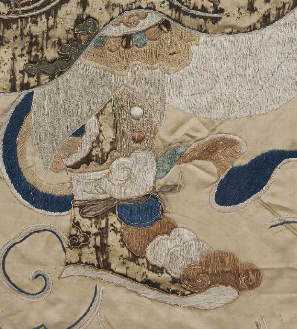 Chinese Ming Dynasty silk embroidery panel - 7