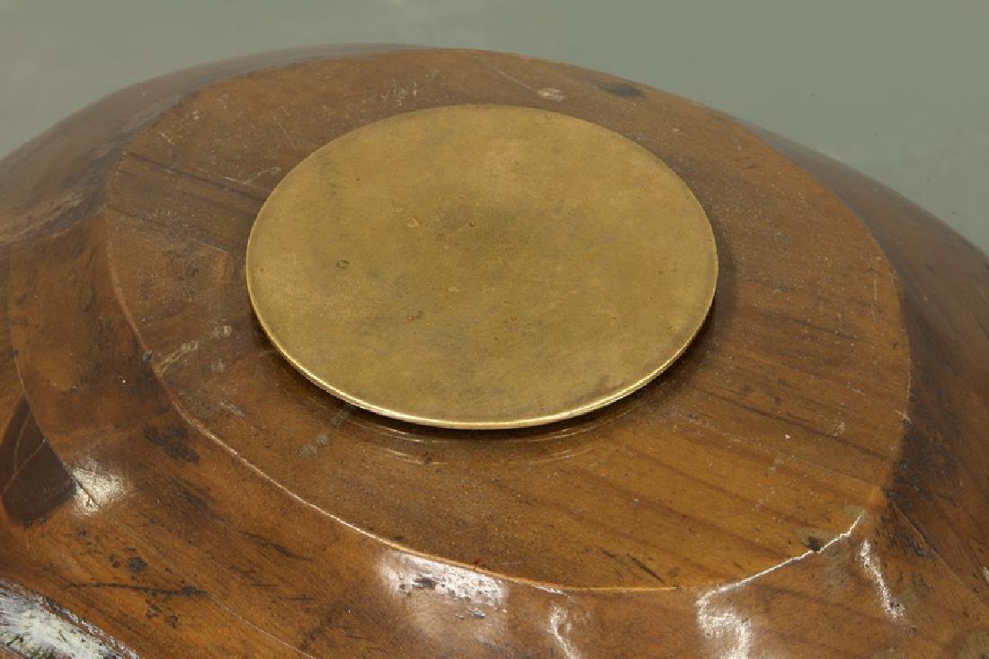 Frederico Armijo carved pine snail-form table - 8