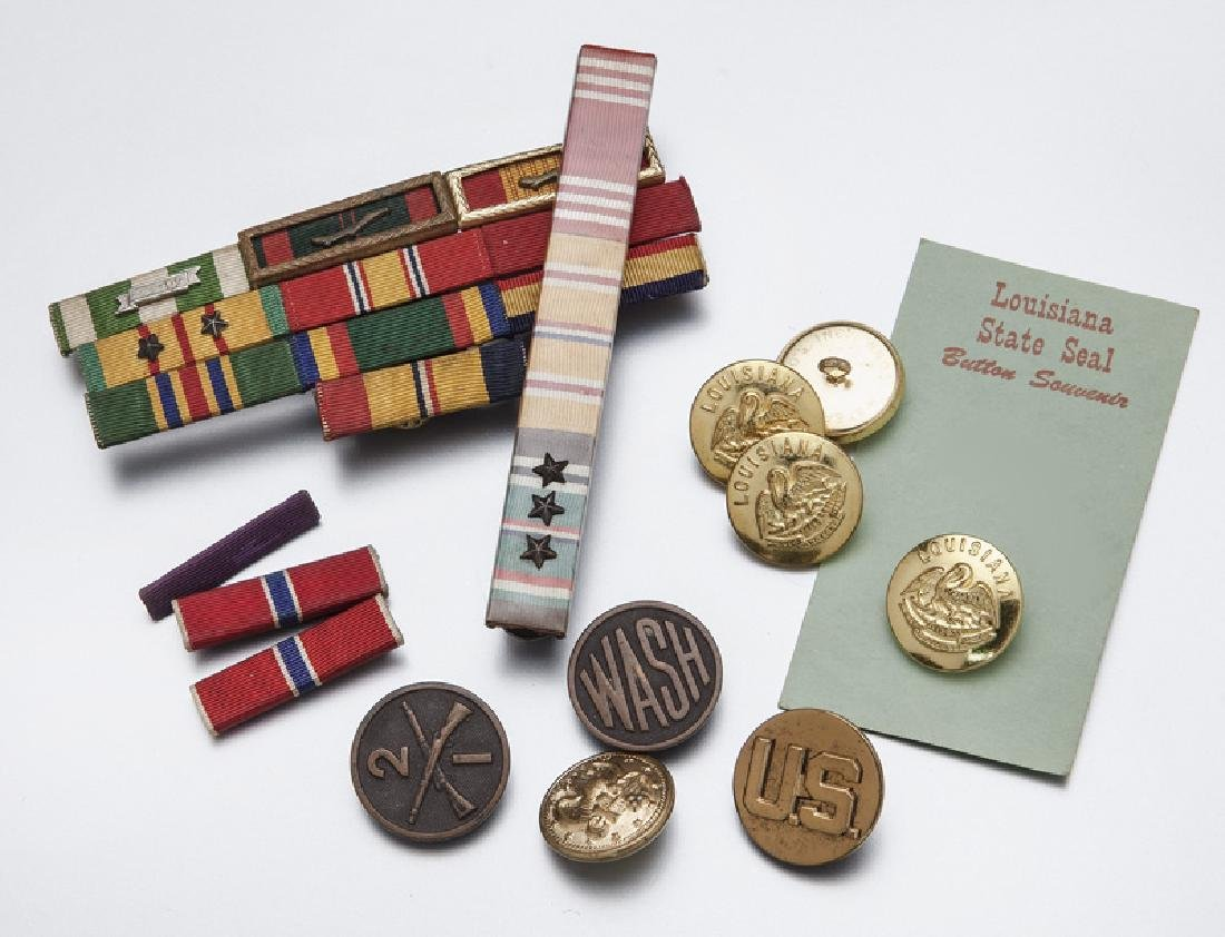 Various military insignia, - 6