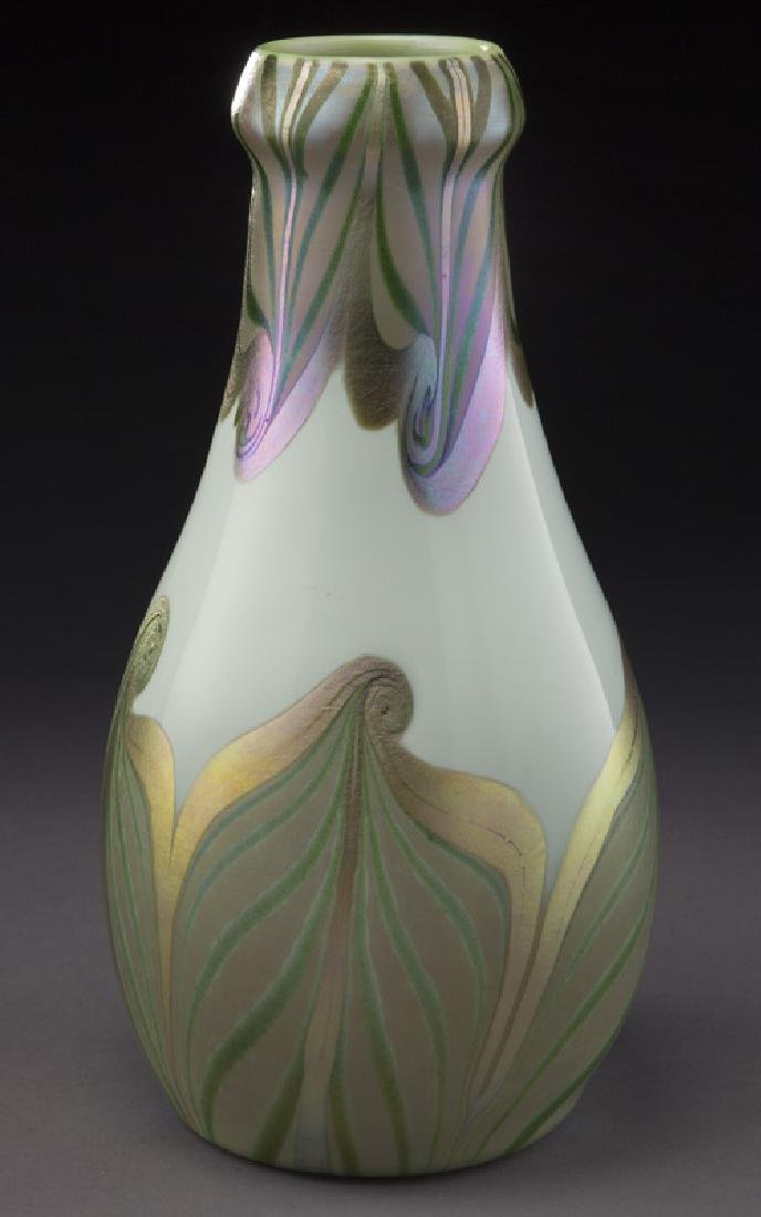 Early period art glass vase, - 3