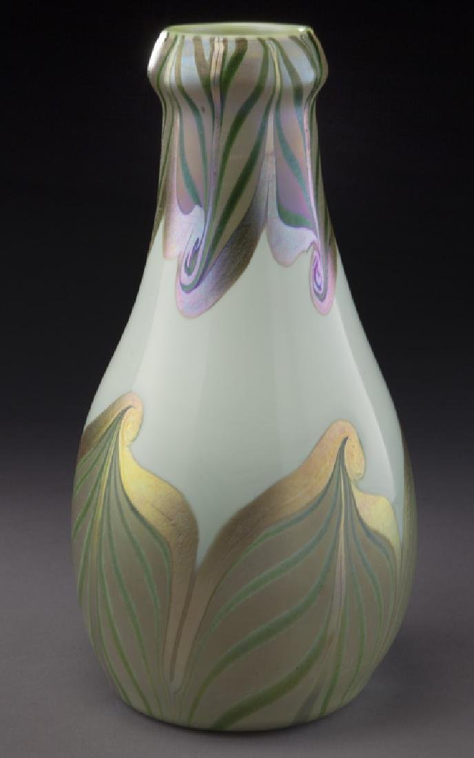 Early period art glass vase, - 4