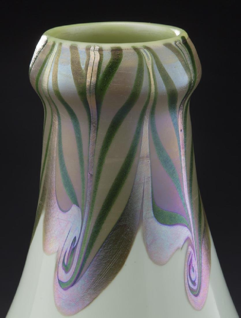 Early period art glass vase, - 5