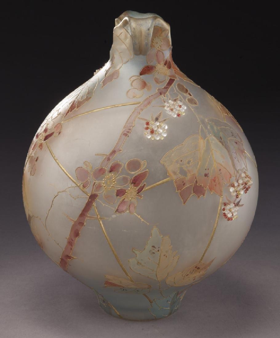 Mt. Washington Royal Flemish vase, - 3
