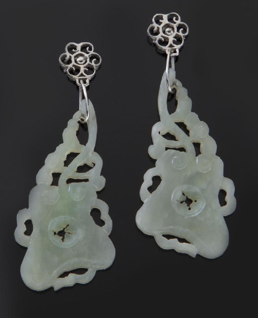 Pr. Chinese Qing carved jade earrings,