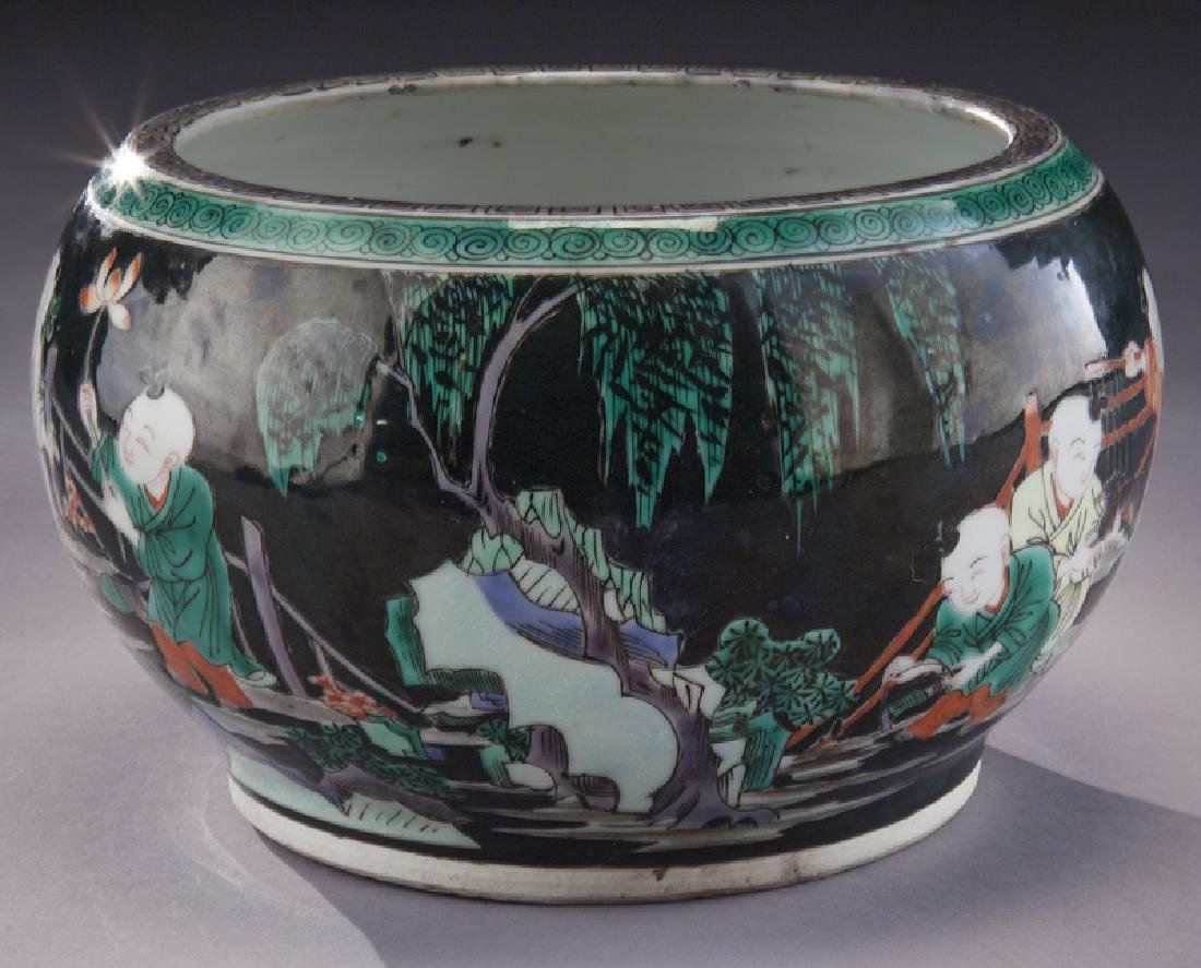 Small Chinese famille noire porcelain planter, - 2