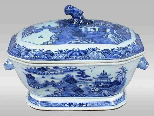 4: Chinese export Nanking tureen - blue &