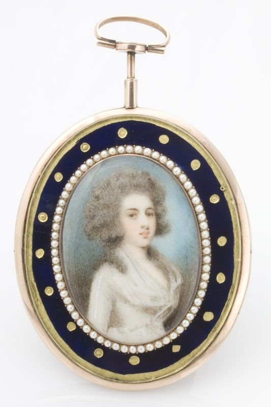 10: A Georgian mourning brooch, portrait bust on ivory