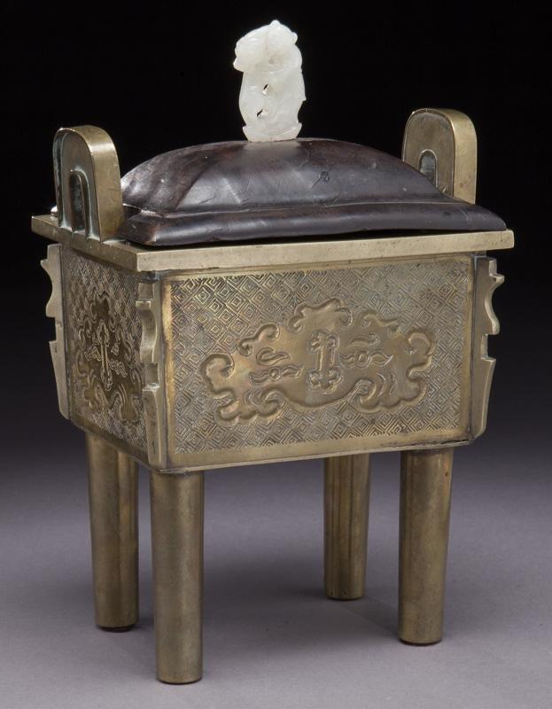 Chinese Qing bronze incense burner,