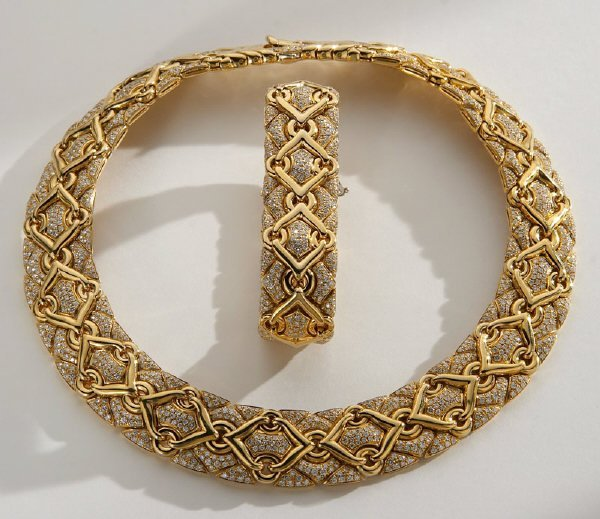 106: Bulgari Trika 18K gold and diamond necklace and - 2
