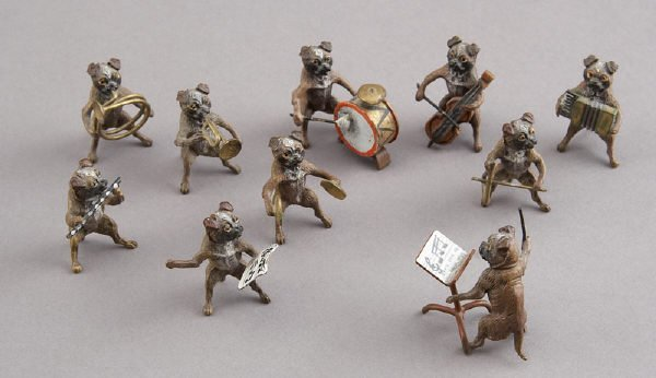 1: 10 Pc. Austrian cold-painted bronze dog band