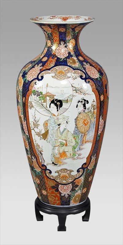 15: Monumental Japanese Imari vase,